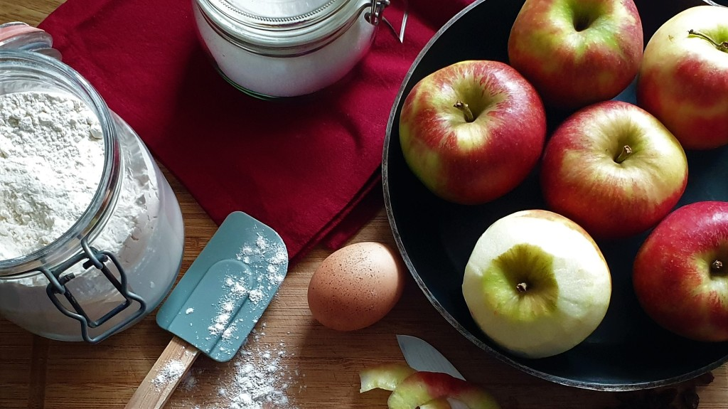 Zutaten für einen Apfelkuchen für Kochen ist Emotion von Rudi Mehlgarten