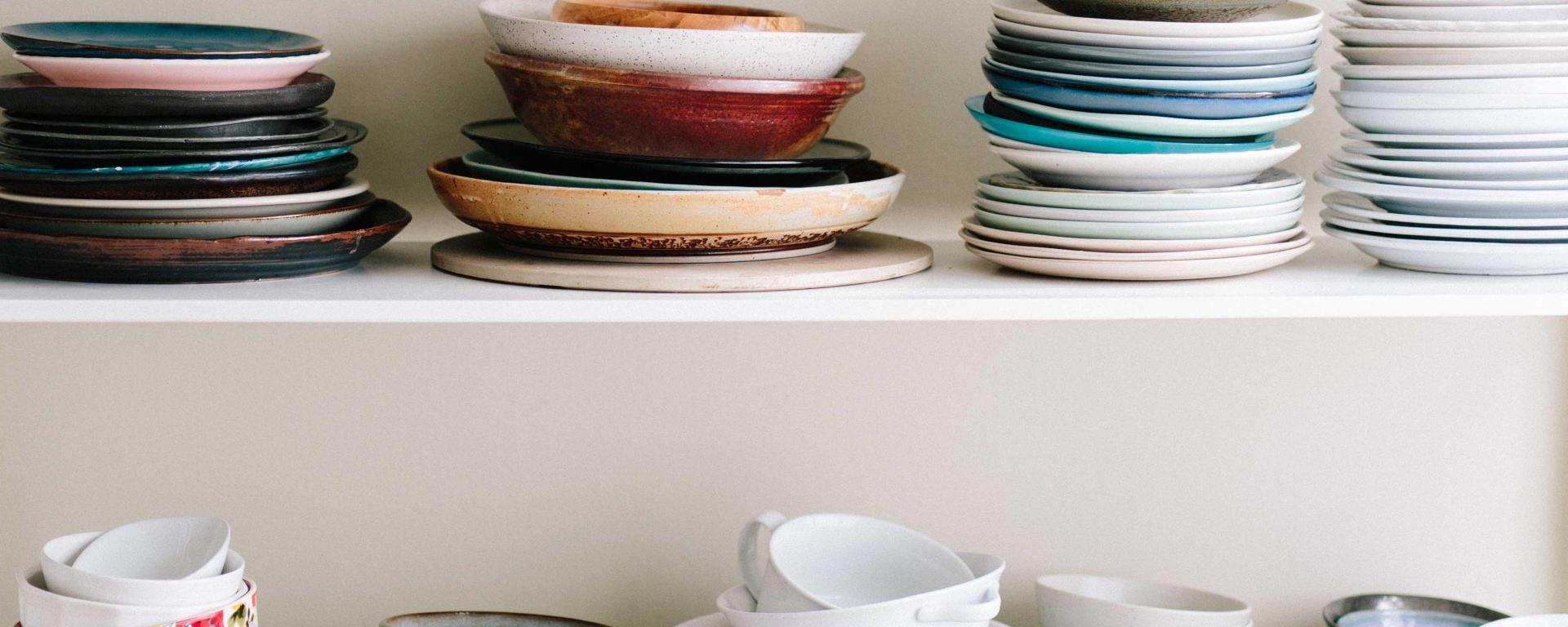 Teller und Schüssel für Kochen ist Emotion in der Geschichte Amuse geule